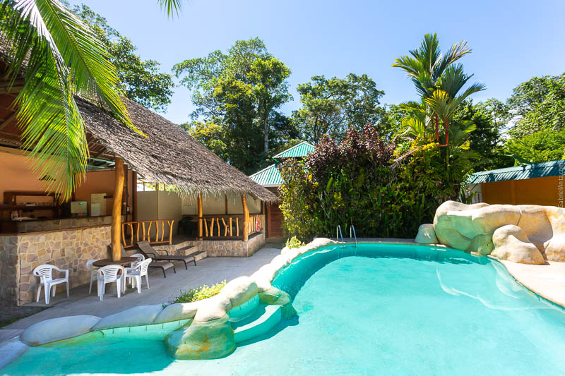 Hotel with Swimming Pool in Puerto Viejo Bungalows Calalú